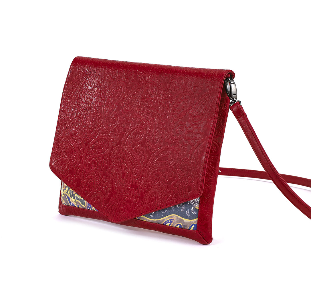 Lotus-Red-Clutch-02